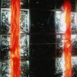 Mur de decoration acceuil discotheque copeaux d'inox dans casier eclairage altuglas