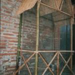 Petite volière en bambous