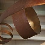 Détail lustre acier rouillé et doré - restaurant Ségoufielle (32)